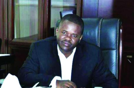 رئيس نادي المريخ المعزول يهدد بالانسحاب من الدوري السوداني