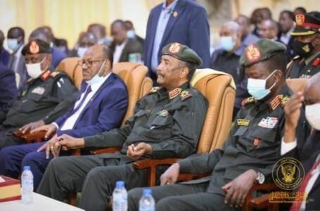 البرهان: الحملة التي يتعرض لها جهاز الأمن والمخابرات تهدف لتدمير السودان