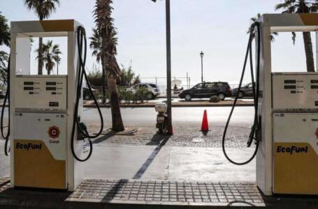 """خوفا من شتاء قارس بلا وقود.. اللبنانيون يعود إلى """"جمع الحطب"""""""