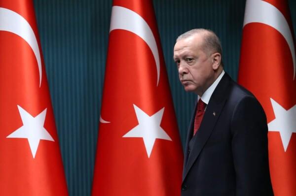 """أردوغان يأمر بطرد """"10"""" سفراء أجانب بينهم السفير الأمريكي"""